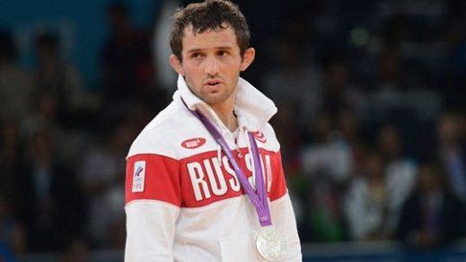 В ДТП погиб двукратный призер Олимпиад по вольной борьбе Бесик Кудухов.