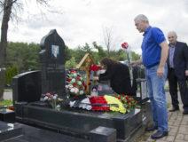 Возложение цветов к могиле Ю.И. Бзаева 3